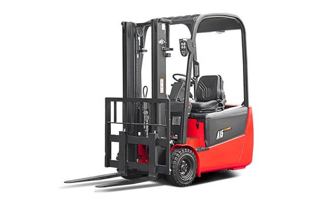 3-Wheel Rear Drive Forklift  3000lbs